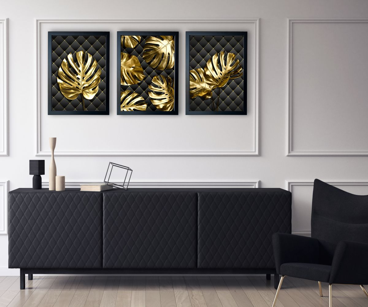 Monstera Gold w salonie
