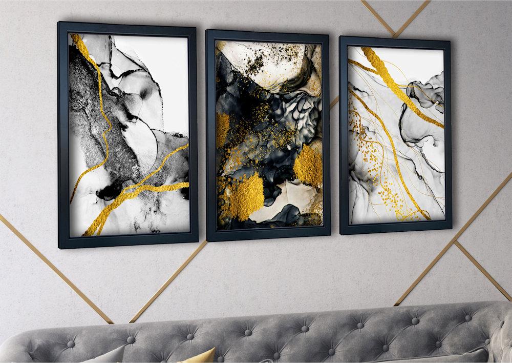 abstrakcja czarno-złota nad stylową kanapą zbliżenie