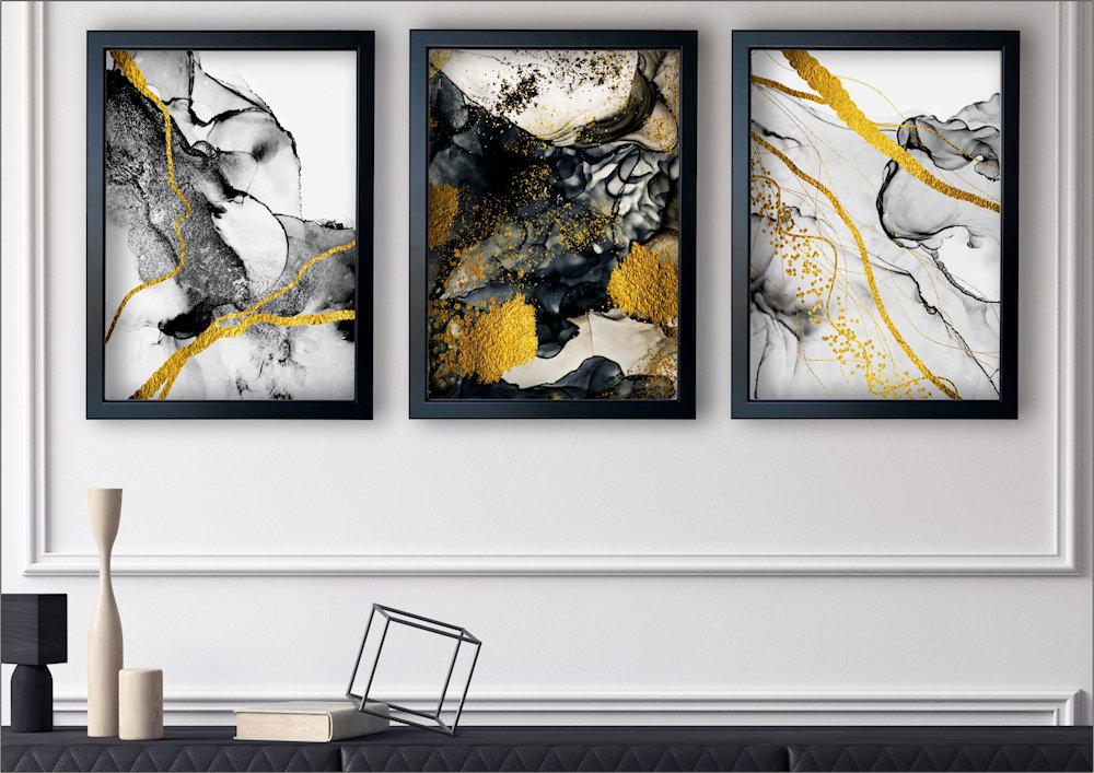 abstrakcja czarno-złota w salonie z boku