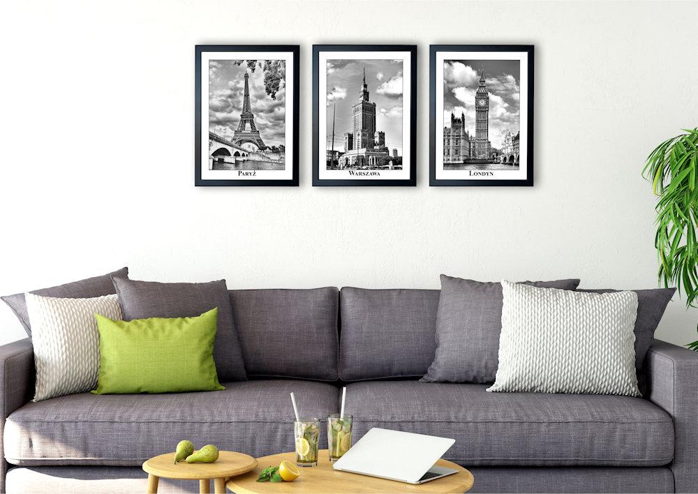 fotografie stolic nad kanapą