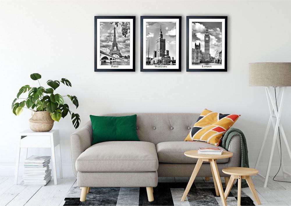 fotografie stolic nad stylową kanapą pod kątem