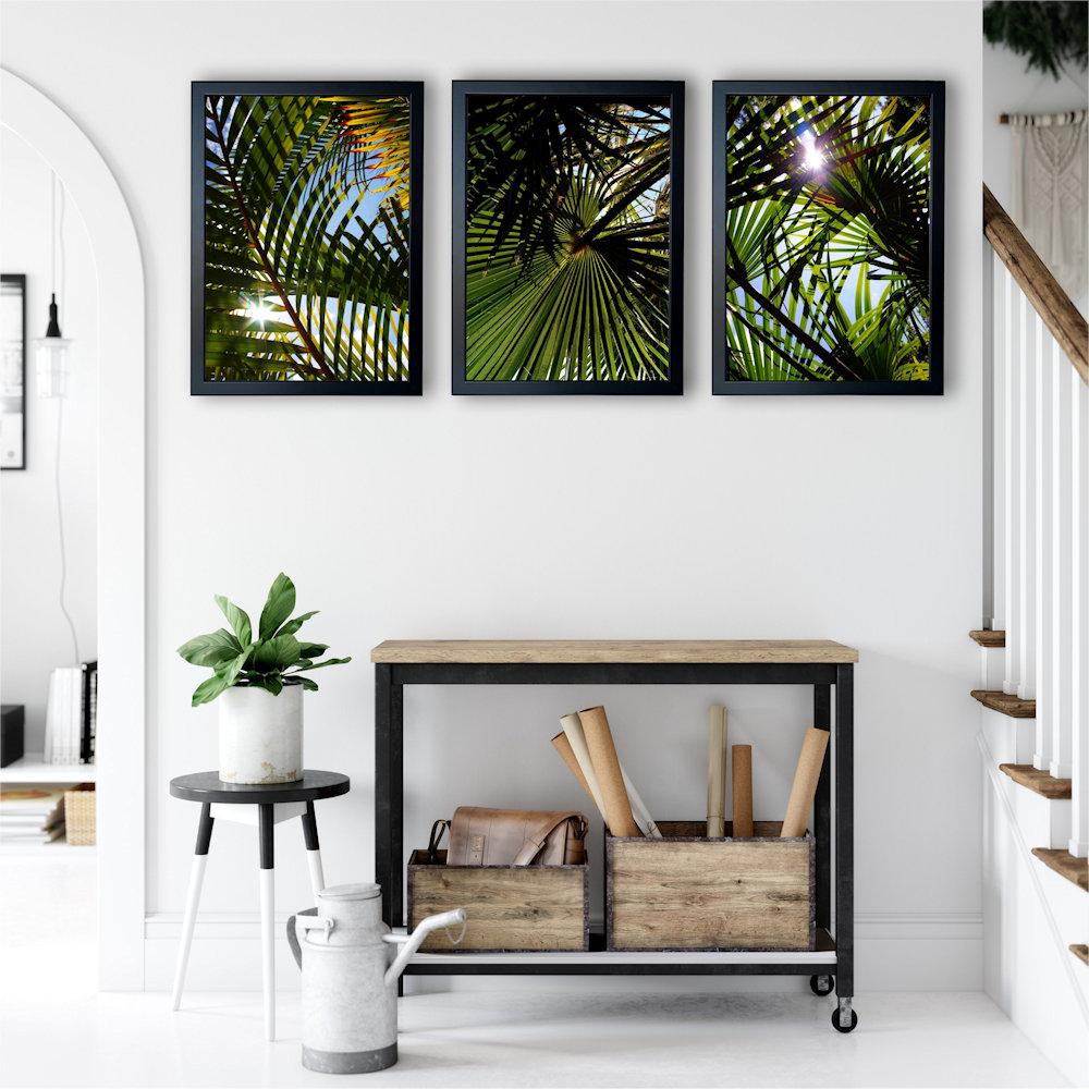 liście palm w salonie