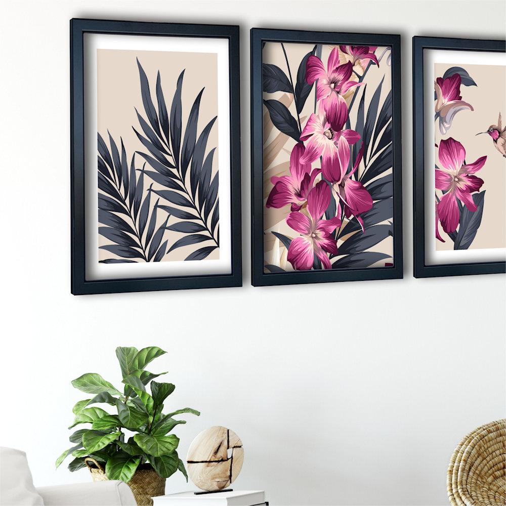 różowa orchidea w salonie z boku