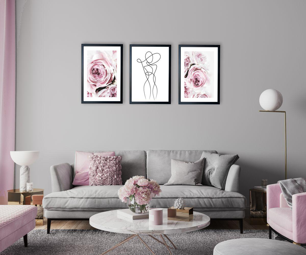 różowe peonie nad kanapą