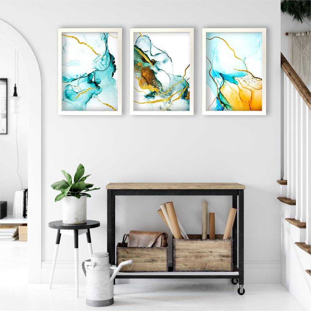 turkusowa abstrakcja w salonie