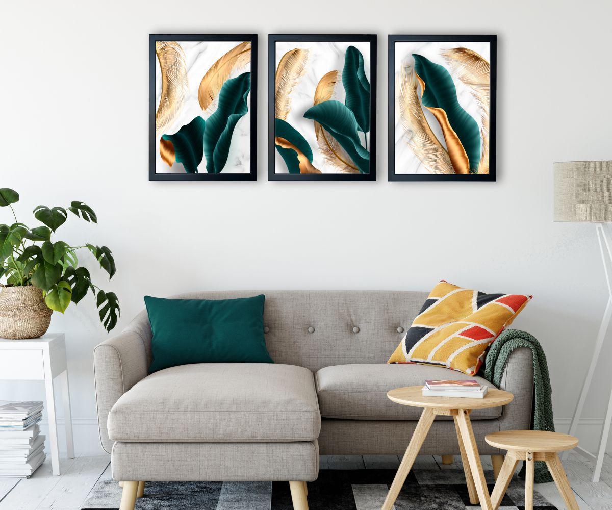 turkusowe liście nad kanapą