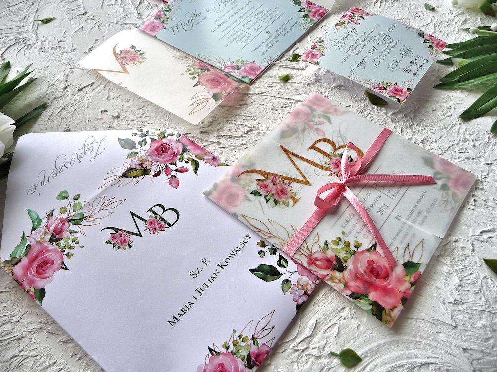 Zaproszenia ślubne z kalką różowe róże ujęcie 2